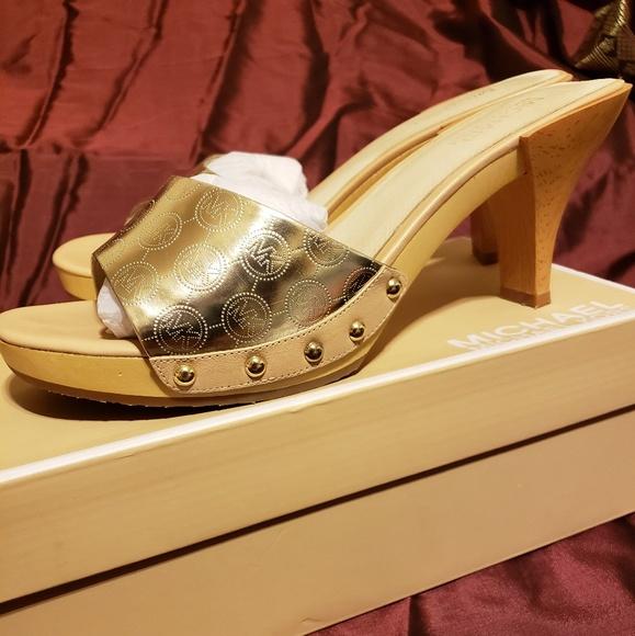 b051d6f3744e Michael Kors Gold Mule Heel Slide. M 5b7a2d456a0bb7cb4c849d6a